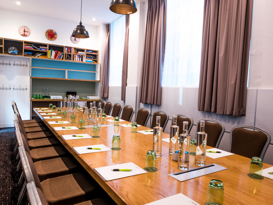Mandela Boardroom layout